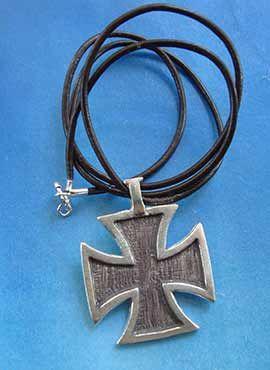 amuleto de plata cruz del temple