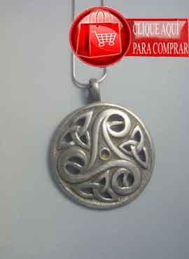 trisquel con triquetas colgante celta de plata