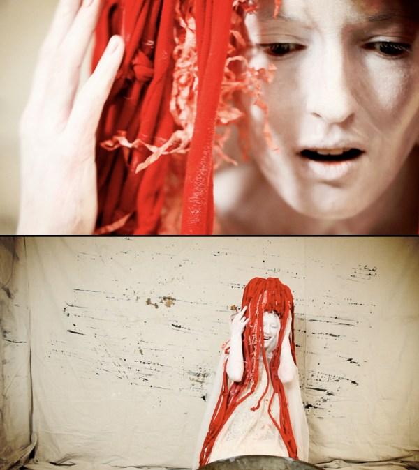 Die Rothaarige - Red Headdress