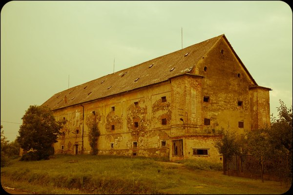 Urbex exploration of an abandoned castle in Hungary.