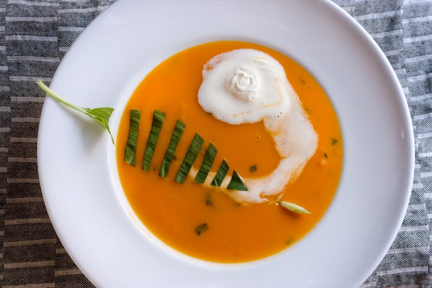 Karottensuppe mit Bärlauch