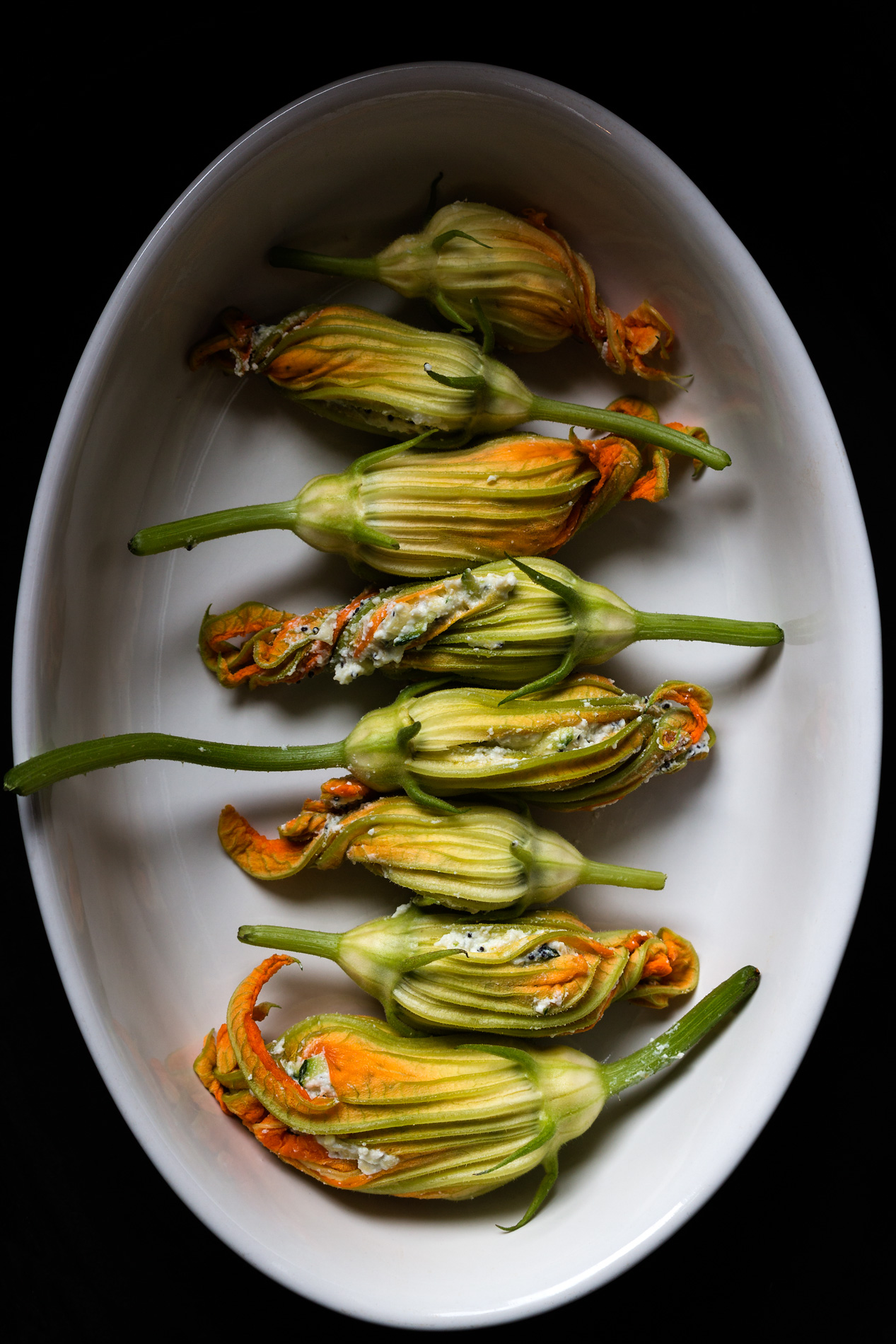 Zucchinibluetengefuellt