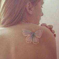 tattoo borboleta branca