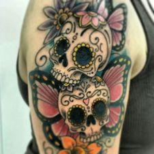 tattoo borboleta caveira