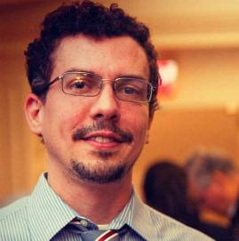 Professor Fábio David Passos
