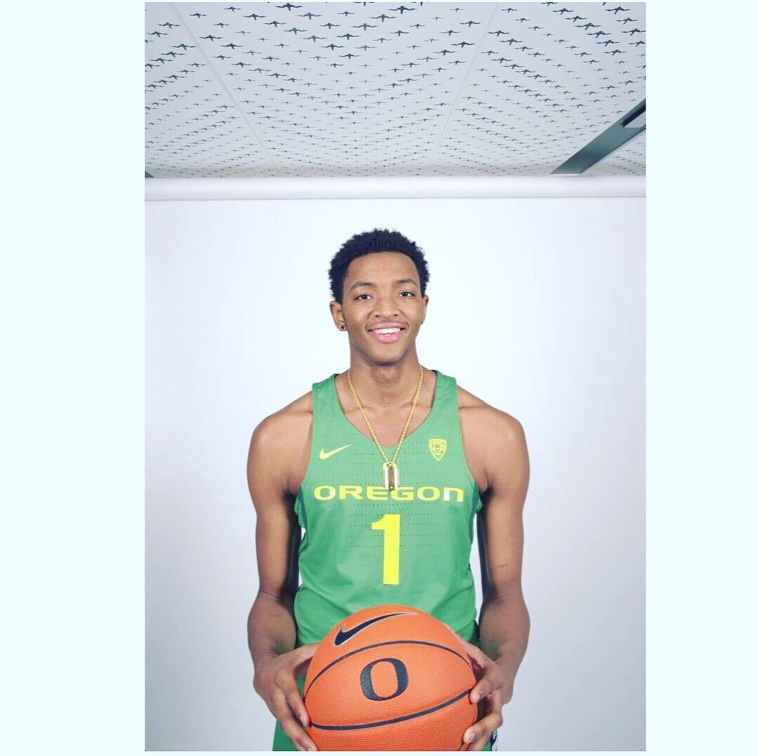 Wooddale High School Forward Chandler Lawson will sign with the Oregon Ducks