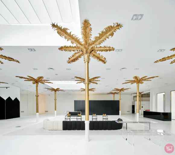 gold leaf palm trees, Bold gold leaf palm trees at this concept store in Barcelona
