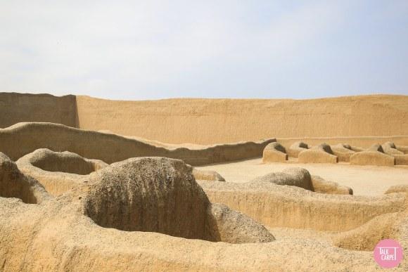 adobe brick construction, Chan Chan in Peru is adobe brick construction on steroids