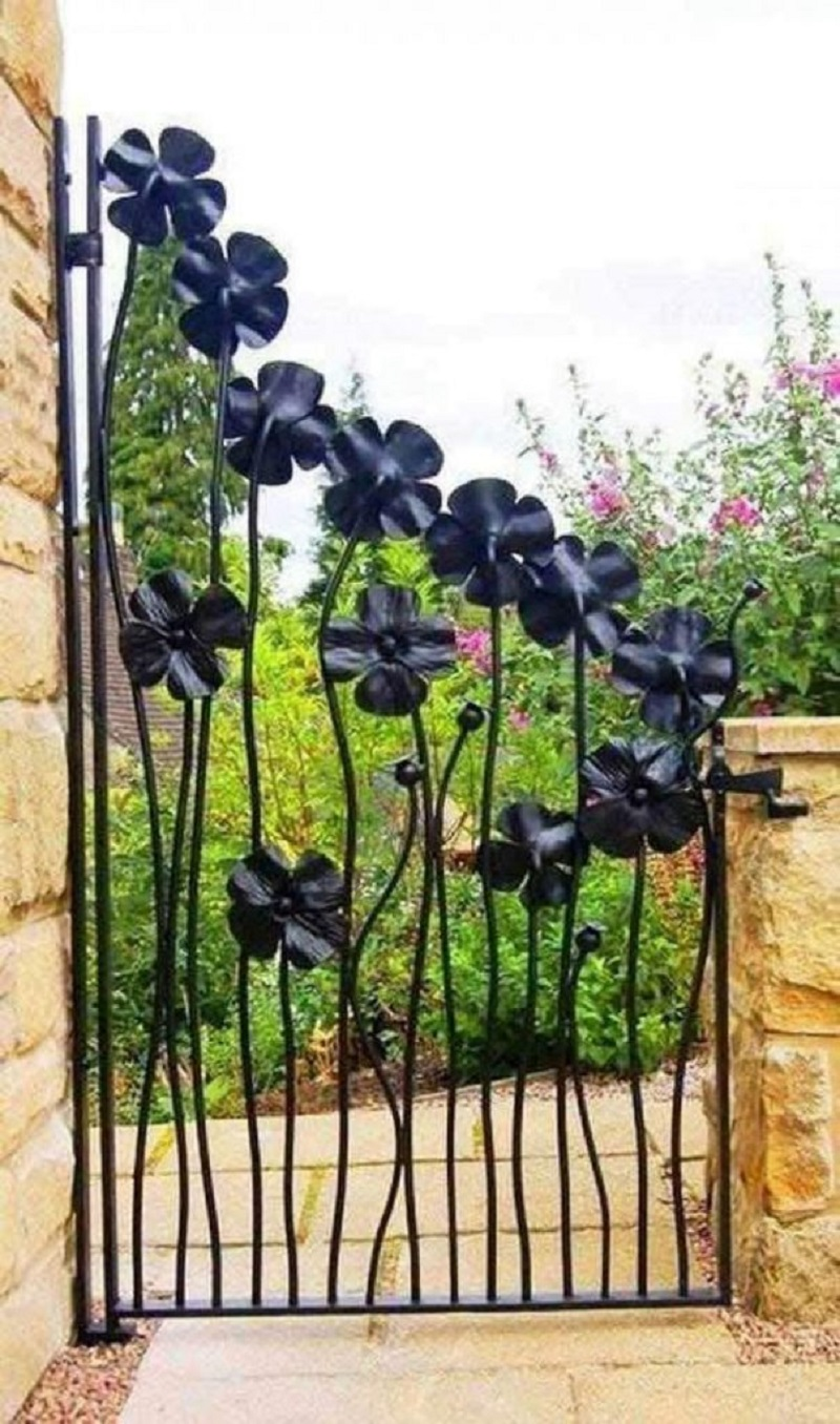 Black Flower Gate