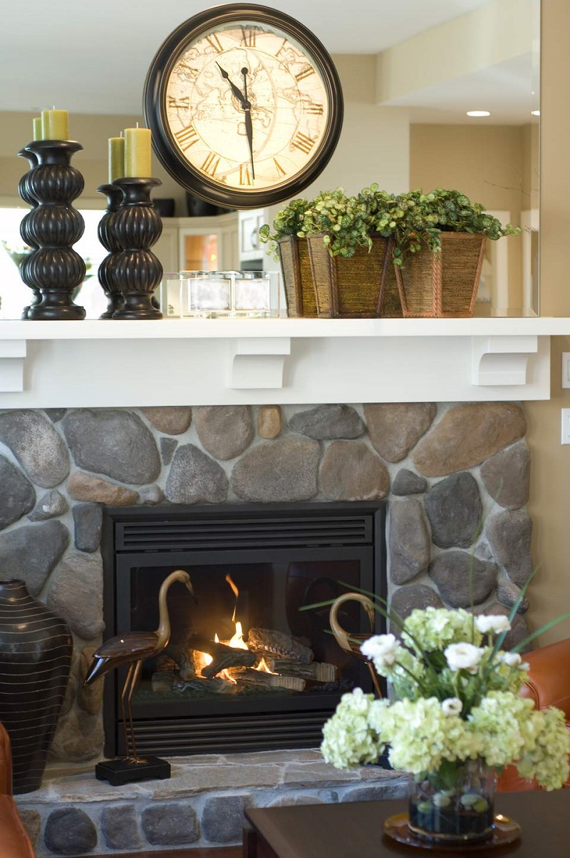 Modern Farmhouse Mantel Decor