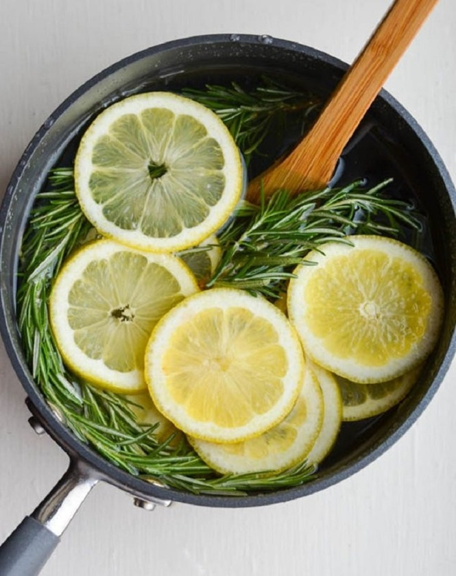 LEMON AND ROSEMARY STOVE TOP POTPOURRI