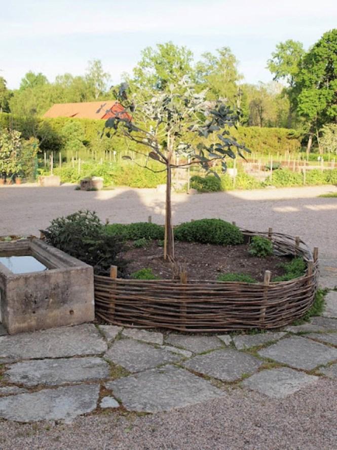 Nest Inspired Garden Bed