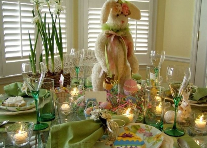 Green Table Décor For Easter With Large Bunny On Center
