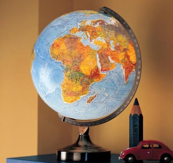 Illuminated Globe Table Lamp