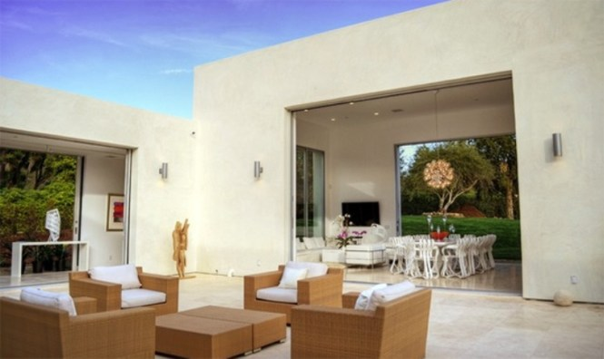 Outdoor Space With Modern Touches