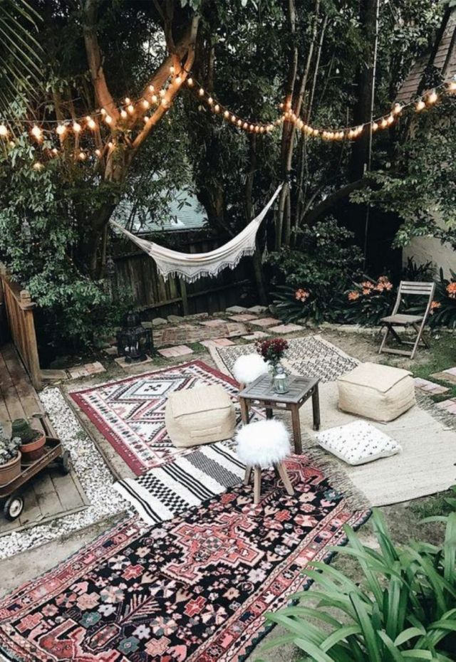 Neutral Moroccan Patio