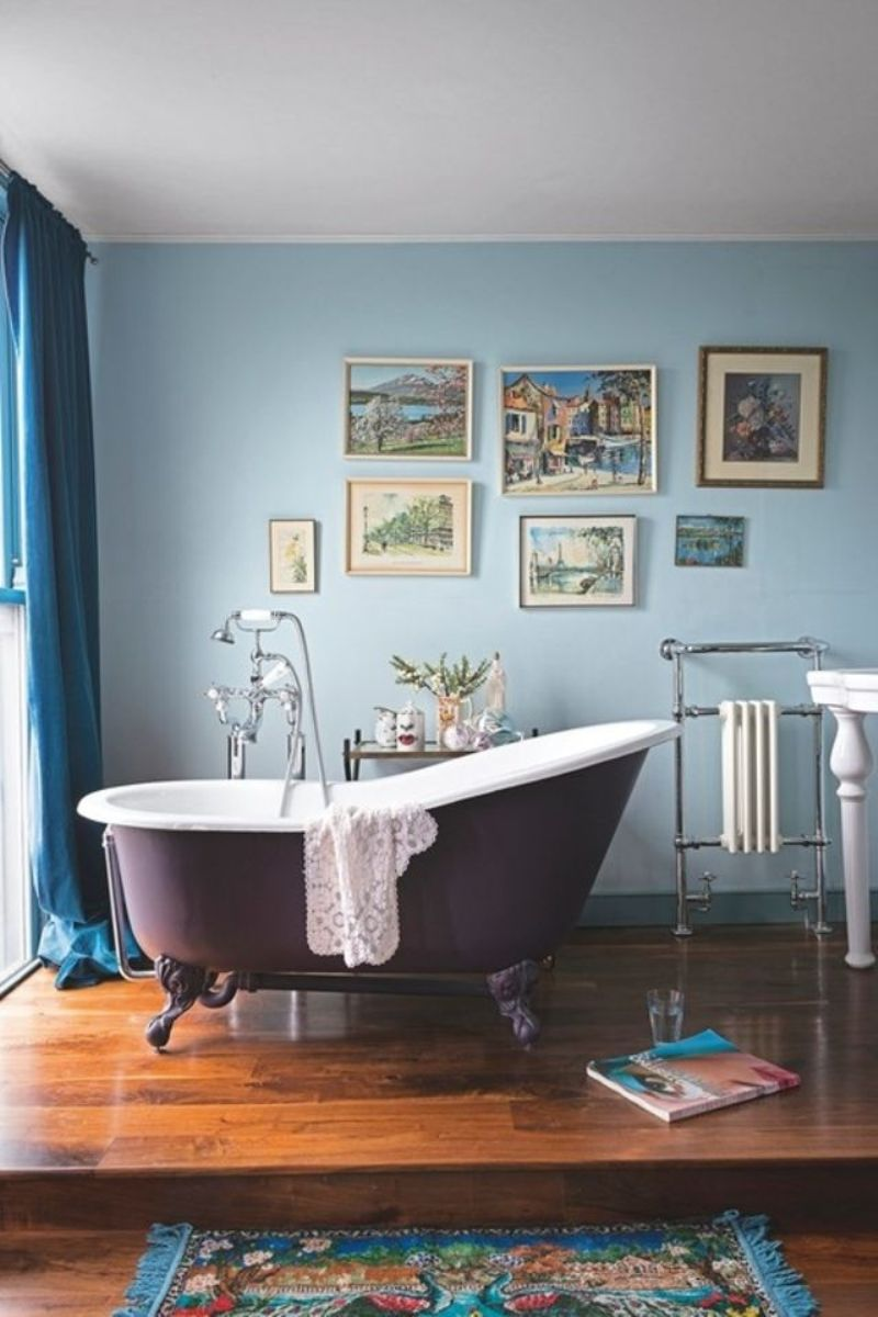 Victorian Bathroom With Parisian Style