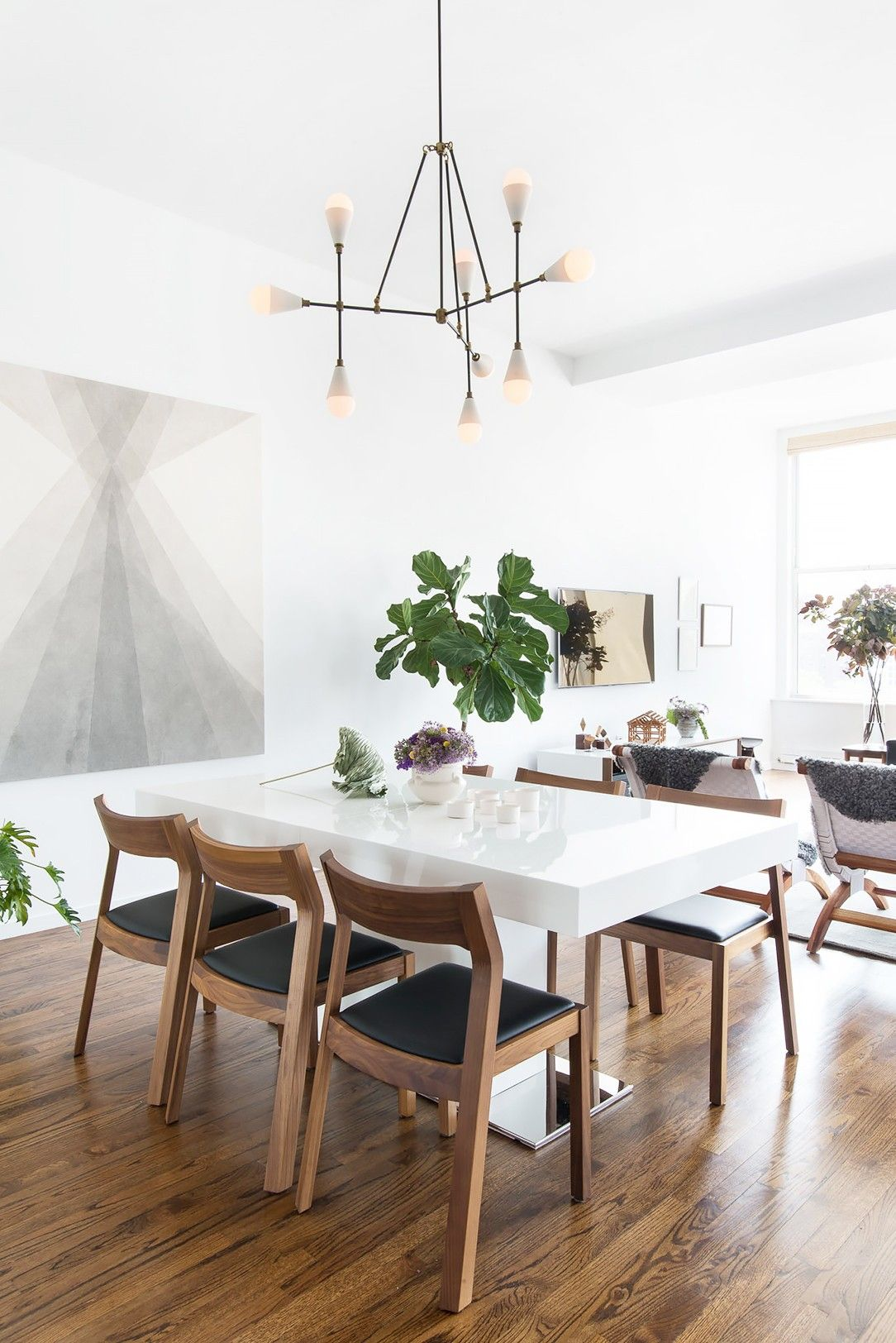 5 Exciting Dining Set Ideas for a Minimalist Dining Room