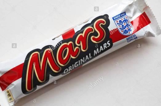 special-edition-original-mars-bar-chocolate-with-england-three-lions-BM8M9X