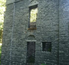 Warner Castle & the Sunken Garden: Two Public Gems in Highland Park