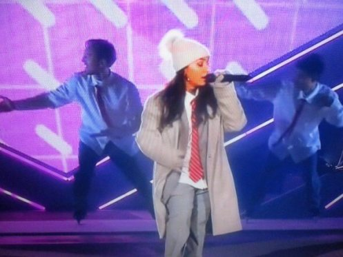 Canadian-singer-and-songwriter-Alessia-Cara