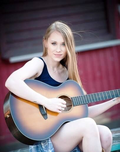 Alyssa Trahan; A Country singer/songwriter making her way in the music industry.