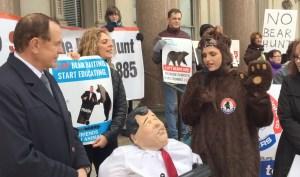 bear-hunt-protest