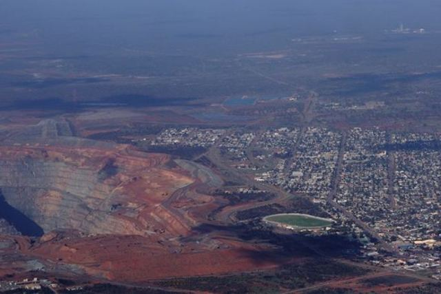 Kalgoorlie Super Pit  Source: http://www.abc.net.au/news/2012-08-17/super-pitjpg/4205856