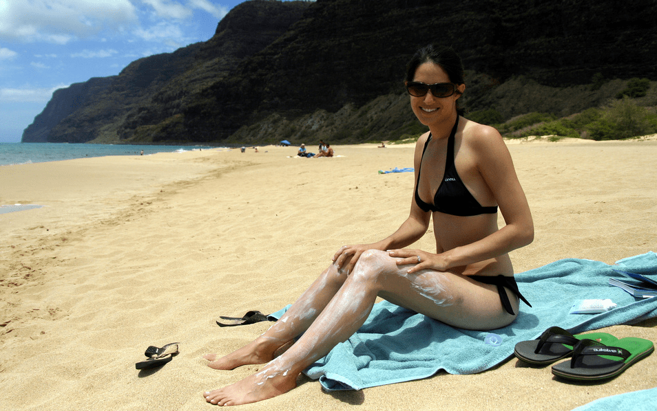 Image: Sunscreen is killing the coral, sea life & is causing skin cancer, NOT the Sun! (Video)