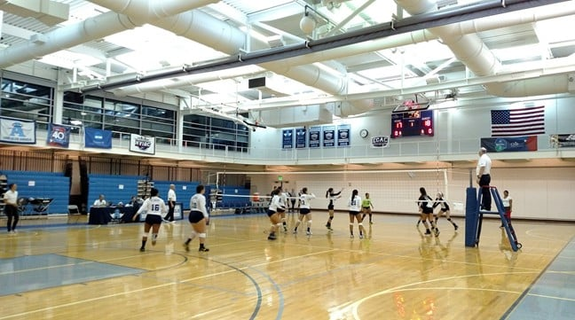 Women's Volleyball Takes Two; Improves to 7-4