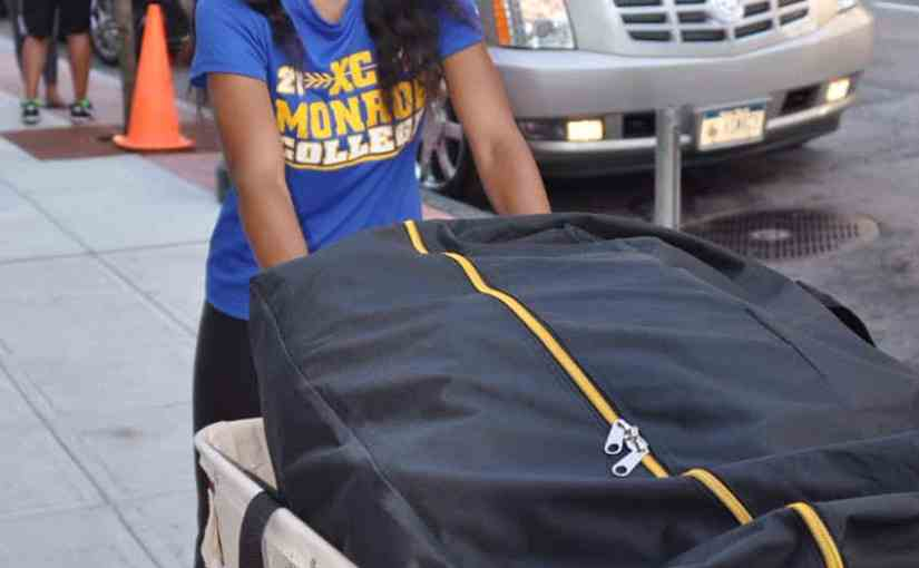 Monroe College's Move-In Day