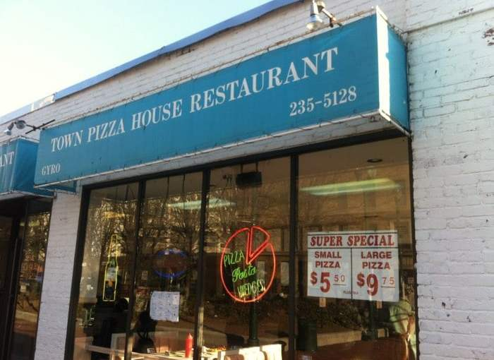 Taste of the Sound: Town Pizza House Restaurant