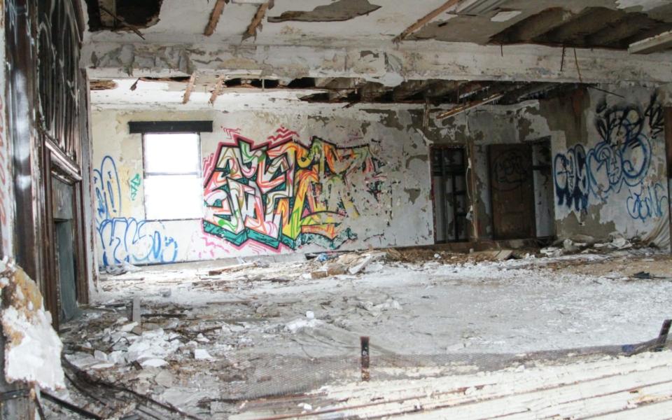 armory – 12