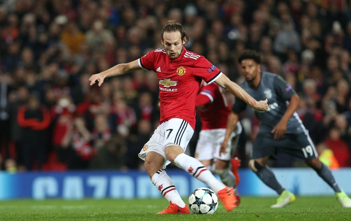 Manchester United Transfer News Daley Blind Completes