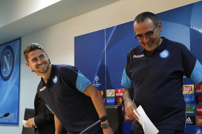 Jorginho acompanhou Sarri do Napoli ao Chelsea