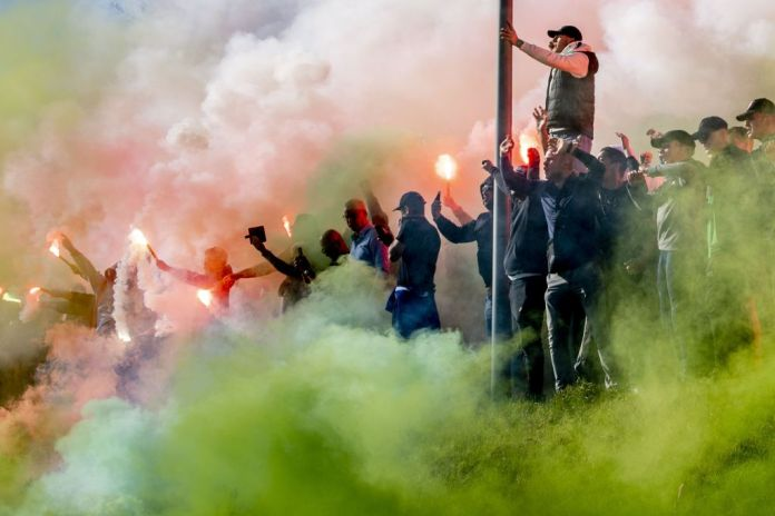 These types of scenes are common when Ajax and Feyenoord play one another