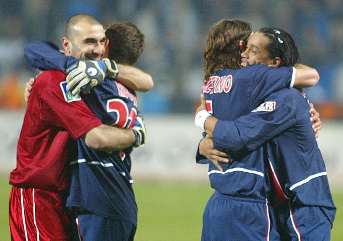 Poch e Ronaldinho jogaram juntos no PSG antes deste último se transferir para o Barça