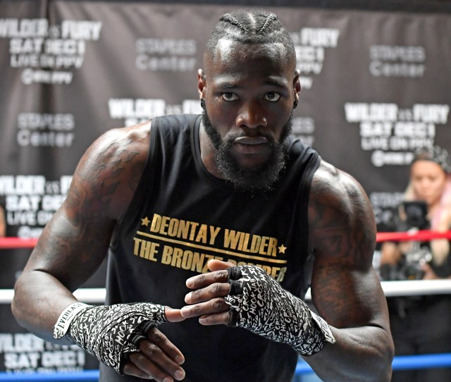 Deontay Wilder Profile Next Fight Professional Record Weight And Reach Who He Has Fought And More