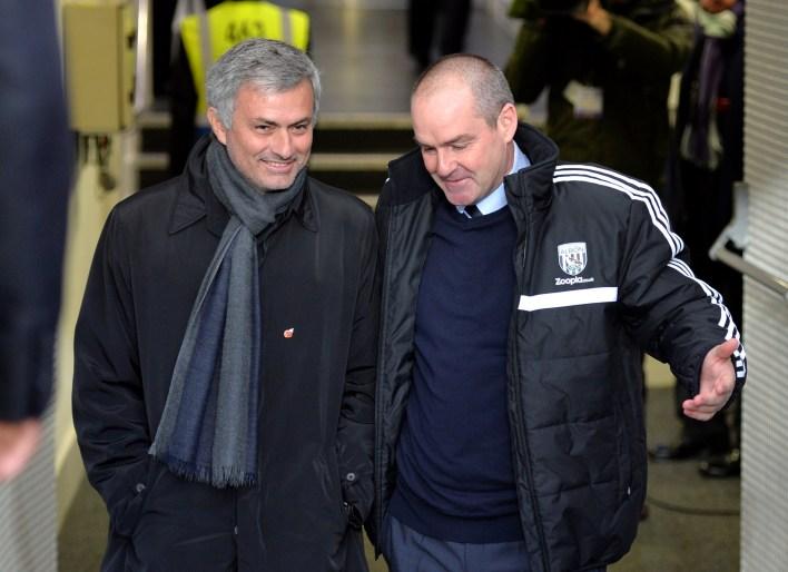 Mourinho, Chelsea'deki ilk büyüsü sırasında Clarke'ı asistanı olarak tuttu.  Clarke, dört yıl sonra Stamford Bridge görevinden ayrıldı