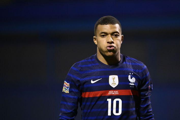 Fransa'nın saflarında Kylian Mbappe var ve Clarke, 2020 Euro'yu kazanmanın favorisi olduklarına inanıyor