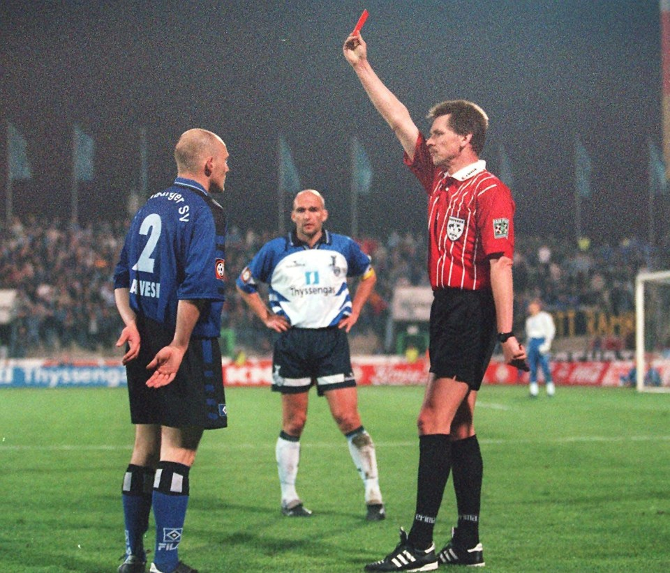 Gravesen started his career with Vejle Boldklub before joining German giants Hamburg for a three-season stint in 1997.
