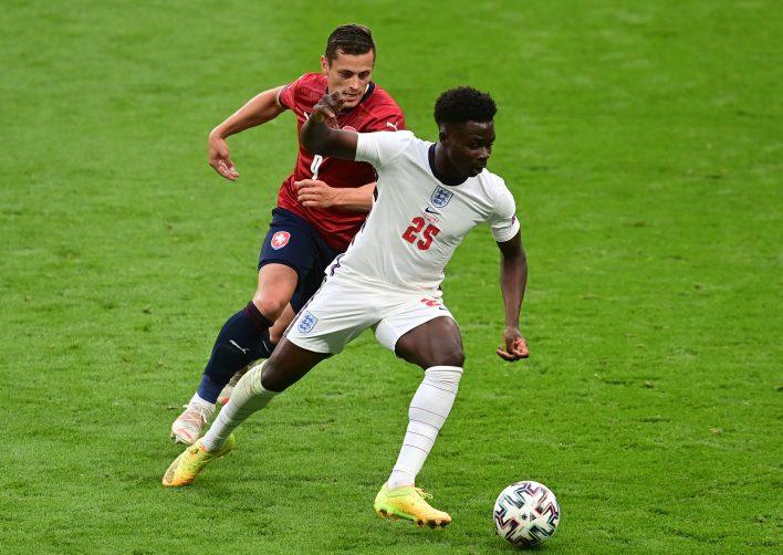 Saka, İngiltere'nin son grup maçına başladı ve sahadaki en iyi oyuncu oldu, bu da gelecek maçlar göz önüne alındığında iyiye işaret