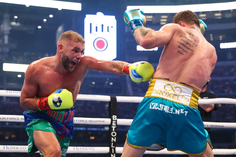 Saunders boxed well in points of the fight