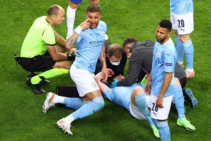 Şampiyonlar Ligi finalinde ciddi bir sakatlık geçirdiği hemen belli oldu.