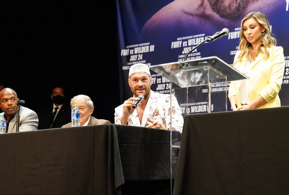 Fury happily taunted Scott after discussing the sparring injury