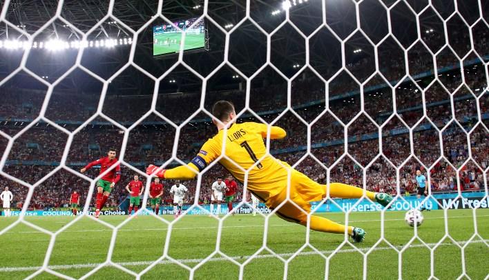 Ronaldo bu yaz Euro'da beş gol attı - üçü penaltı noktasından