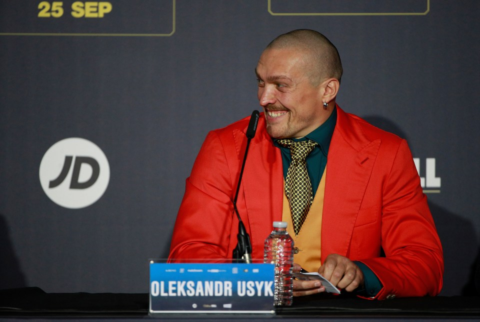 Usyk tried to get into Joshua's head at press conference, says Hearn