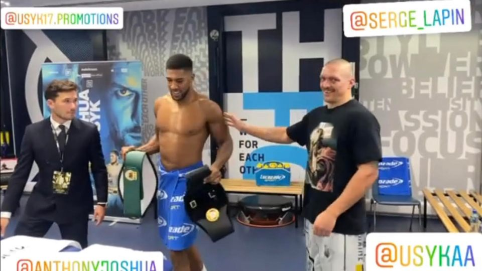 Usyk returned his belts to AJ because he will receive his