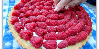 fresh sour cream raspberry tart