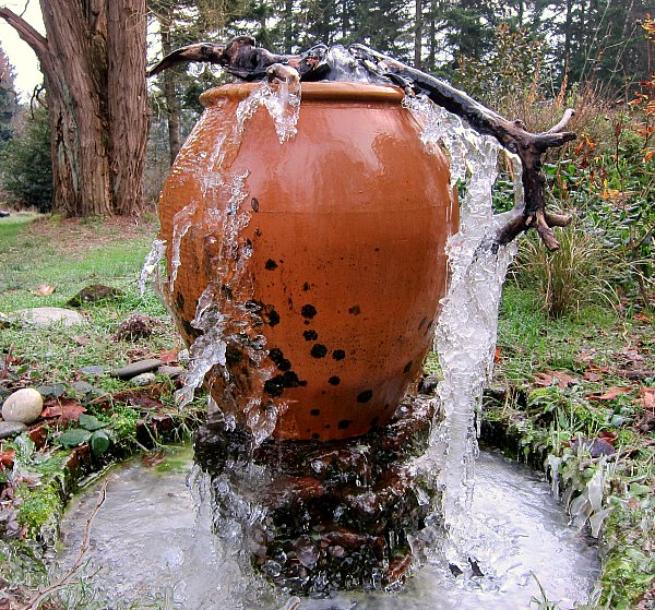 icicle fountain vashon island